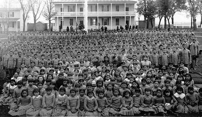 carlisle-indian-school-students